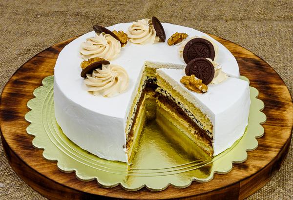 """Торт """"Фирменный с черносливом"""""""