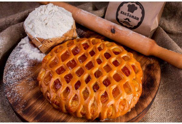 Пирог с конфитюром абрикос