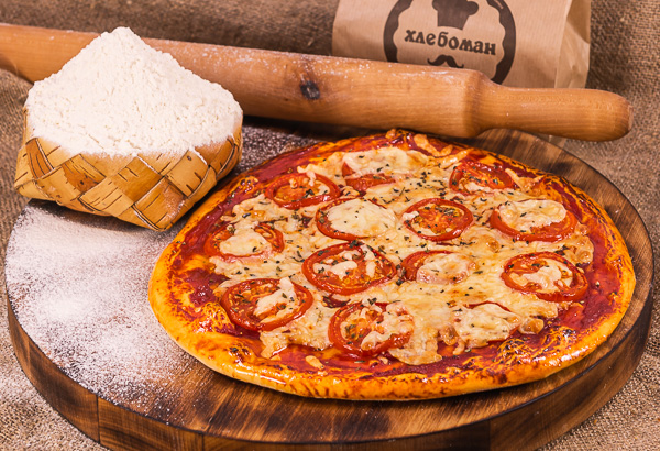 Пицца маргарита 30 (см).