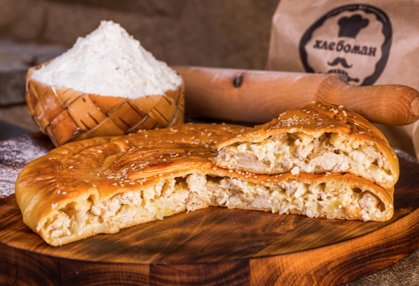 Пирог с  филе (курица) и сыр