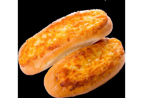 Багет с сыром, майонезом и чесноком